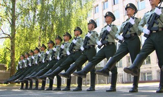 Китайские военные прибыли в Минск для участия в параде