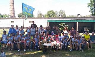 Голубые береты устроили детям праздник в честь Дня десантников