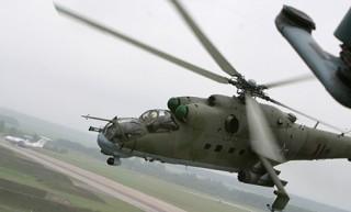 Военные летчики продолжают подготовку к параду