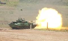 «Танковый биатлон». Белорусы – первые в своем заезде