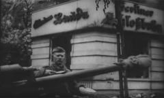 Советские солдаты после боев в Берлине.