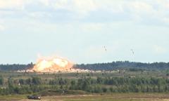 Белорусские и российские авиаторы отработали бомбометание
