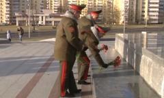 Возложение на стеле «Минск — город-герой»