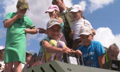 Дети в гостях у десантников